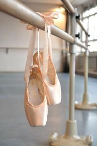 """667e53f1e0 O termo """"resistência da sapatilha"""" se refere a flexibilidade da palmilha"""
